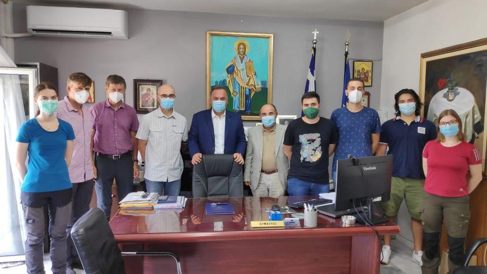 Το Δήμαρχο Θάσου επισκέφτηκαν Καθηγητές και Φοιτητές του Τμήματος Δασολογίας και Φυσικού Περιβάλλοντος του ΑΠΘ και του Πανεπιστήμιου Rottenburg της Γερμανίας