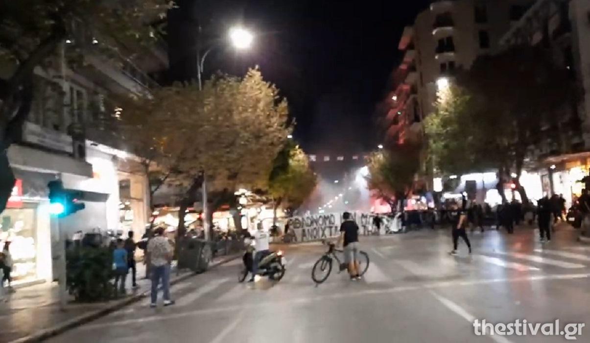 Επεισόδια μεταξύ οπαδών του ΠΑΟΚ και Αστυνομίας στο κέντρο της Θεσσαλονίκης