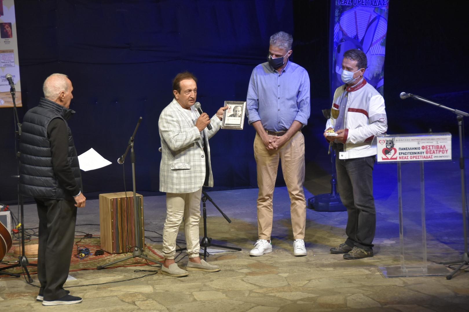 """Τα φώτα έσβησαν, η αυλαία """"έπεσε""""· το Γκατζολάκι τίμησε και φέτος το Θέατρο με τους εραστές της τέχνης"""