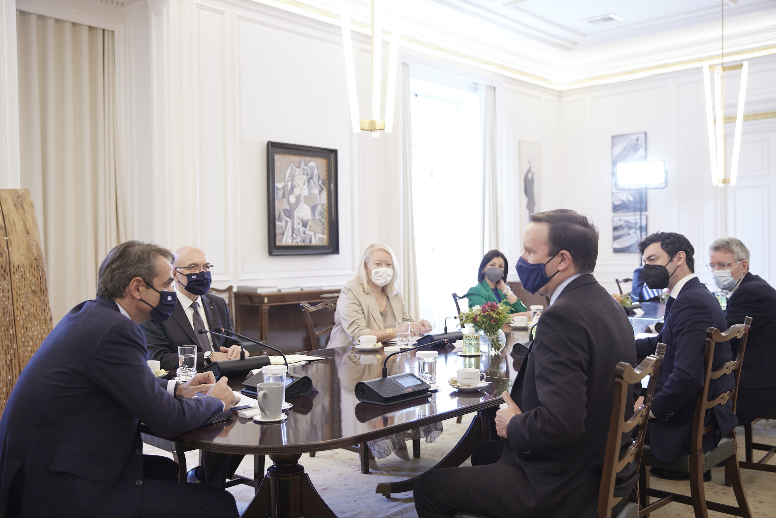 Συνάντηση του Πρωθυπουργού  Κυριάκου Μητσοτάκη με τους Αμερικανούς Γερουσιαστές Chris Murphy και Jon Ossoff