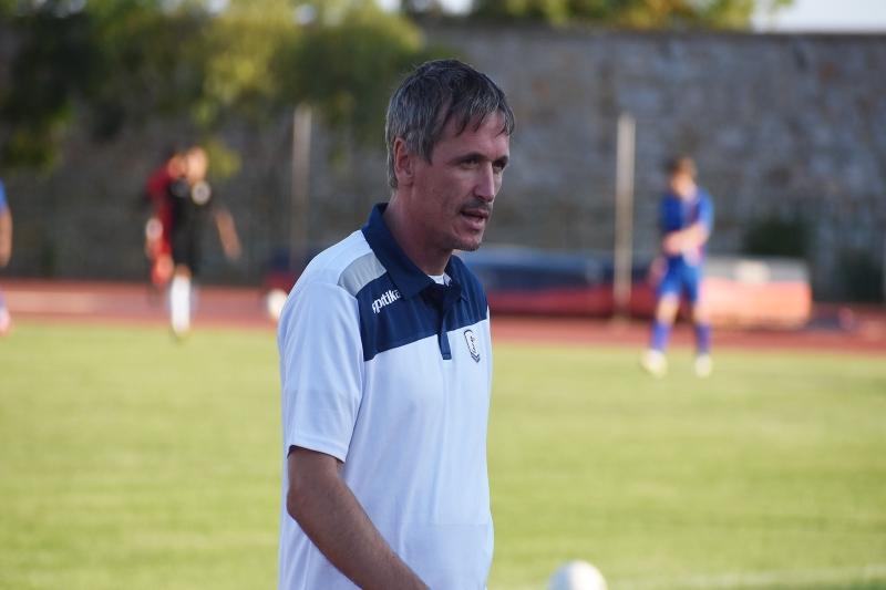 «Πρέπει να γίνει υποχρεωτική συμμετοχή νεαρών παικτών» δηλώνει ο Ζόραν Στοΐνοβιτς