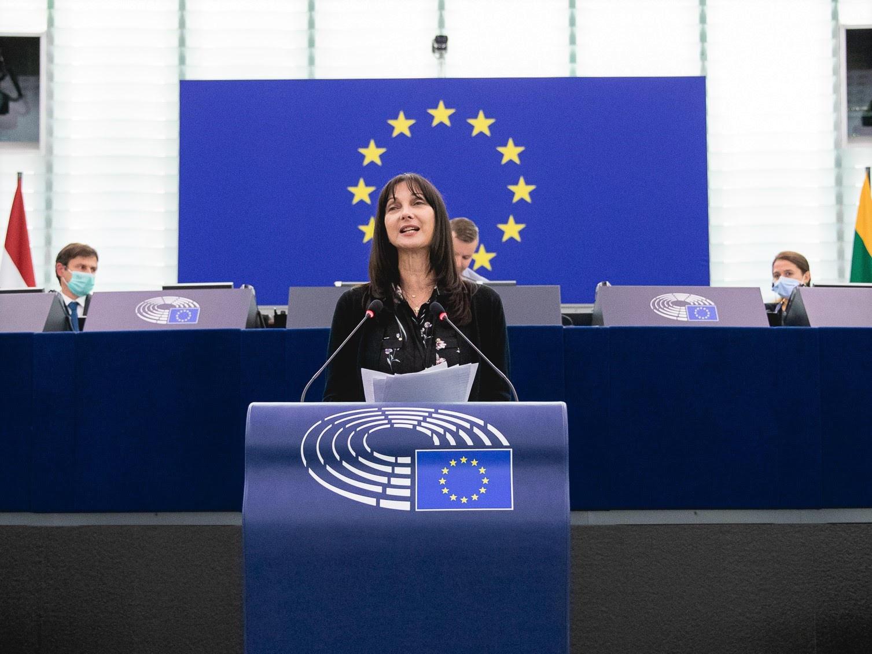 Το Ευρωπαϊκό Κοινοβούλιο υιοθέτησε αυτούσια με συντριπτική πλειοψηφία την εμβληματική έκθεση Κουντουρά
