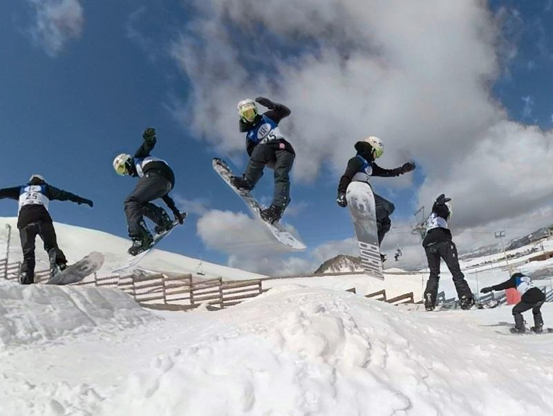 Αγώνες στην Ολλανδία για την χιονοσανίδα, προετοιμασία στην Σλοβενία για το δίαθλο